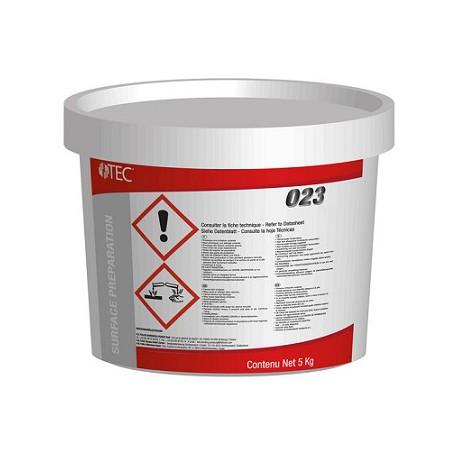 Primaire à prise hydraulique pour préparation des supports difficiles en rénovation TEC 023